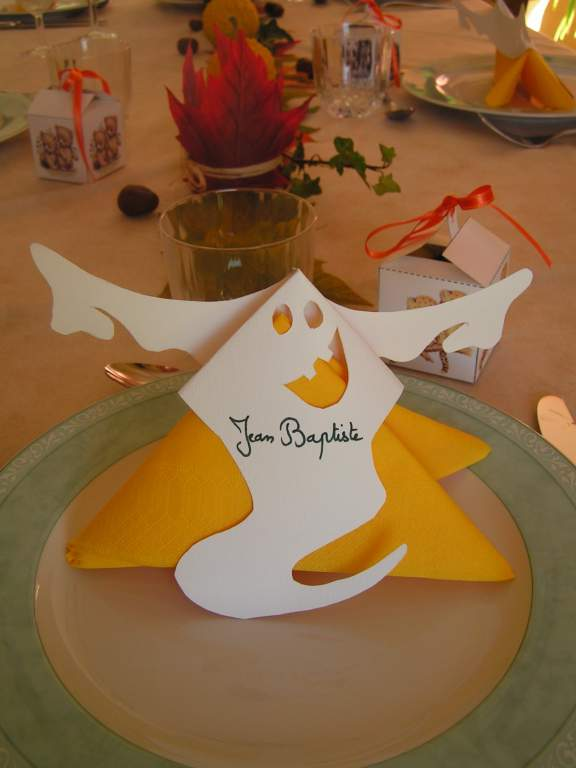 D co table automne halloween for Decoration de table halloween