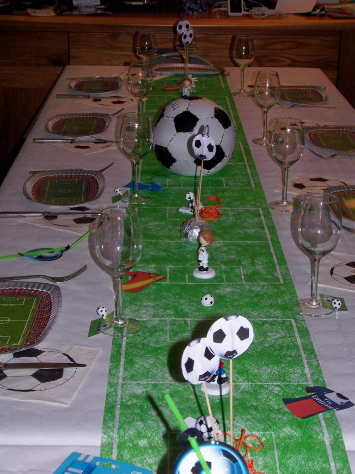 d coration de table th me football. Black Bedroom Furniture Sets. Home Design Ideas