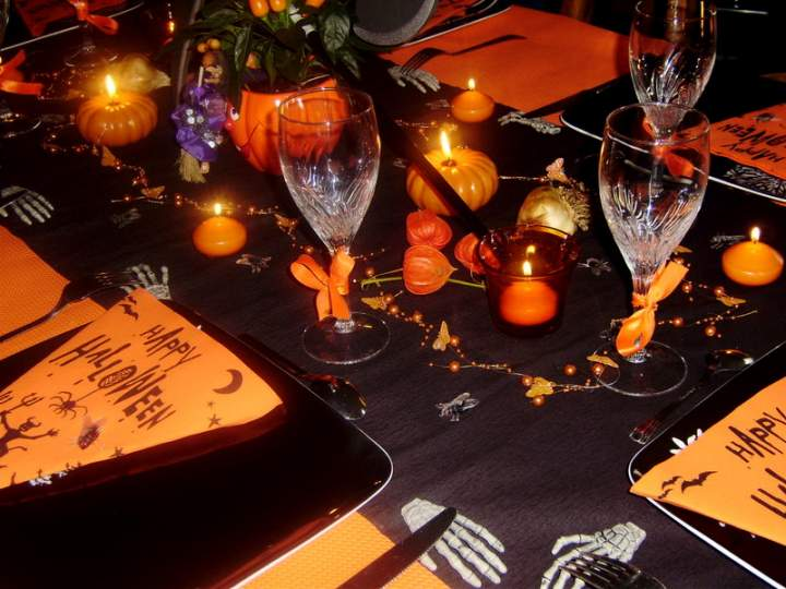 d coration de tables pour halloween. Black Bedroom Furniture Sets. Home Design Ideas
