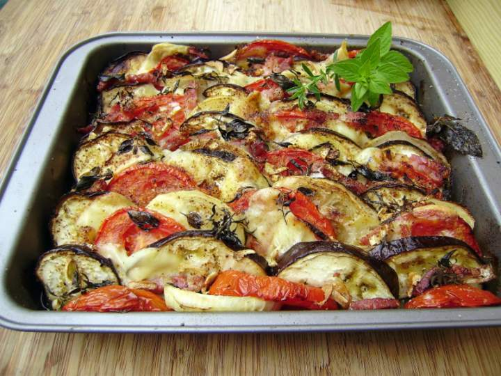 gratin d 39 aubergines aux tomates oignons etc photos. Black Bedroom Furniture Sets. Home Design Ideas