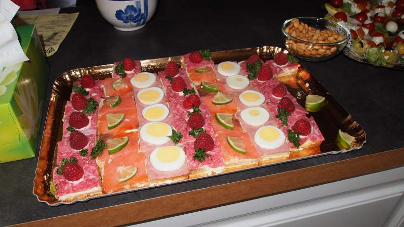 Bouch es au thon for Canape aperitif froid