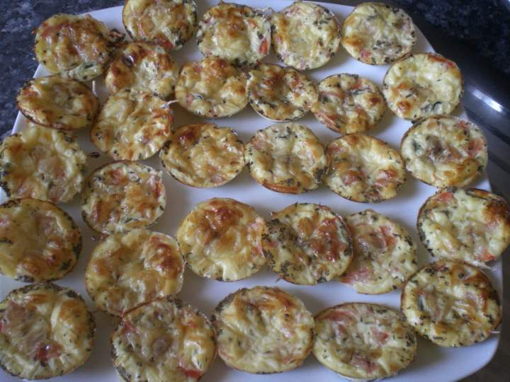 mini quiche sans p 226 te tomate courgette ch 232 vre photo