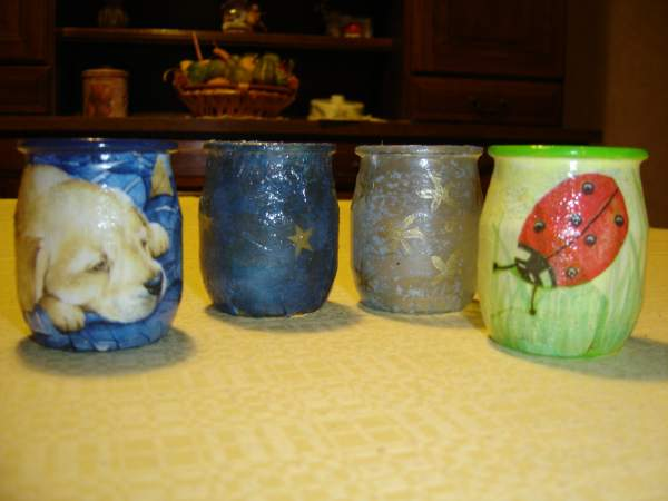Supertoinette pots crayons et photophores pot yaourt for Decoration pot de yaourt en verre